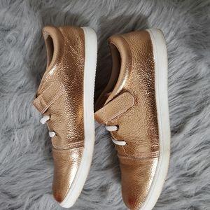 Monkey Feet mommy sneakers